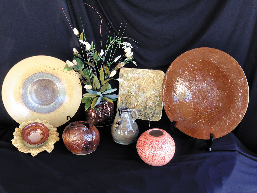 As the holiday season approaches, don't forget to purchase unique gifts from artists in your Robson Ranch neighborhood. Watch for upcoming holiday sales.