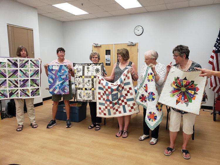 Six members of Desert Threads quilters met the President's Challenge.